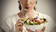जवान बने रहने के लिए रोजाना खाएं इन शाकाहारी चीजों को