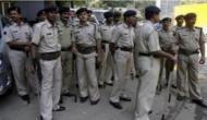 उत्तर प्रदेश: पुलिसवालों की आंखों में मिर्ची झोंकने के बाद कैदी को लेकर फ़रार हो गए बदमाश