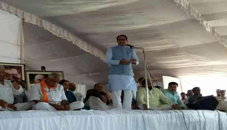 Congress demands CM Chouhan's resignation over Mandsaur violence