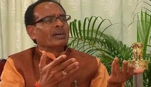 MP Assembly Election 2018: Shivraj Singh Chouhan resigns as Chief Minister of MP; says, 'ab mein mukt hoon'