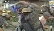गोरखालैंड पर गदर: दार्जिलिंग बंद के दौरान GJM कार्यकर्ताओं पर पुलिस का लाठीचार्ज