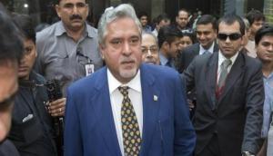 भगोड़े विजय माल्या का दावा, वित्त मंत्री से मिलने के बाद छोड़ा था भारत