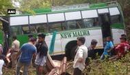 हिमाचल प्रदेश: बस खाई में गिरी, 10 की मौत, 30 ज़ख़्मी