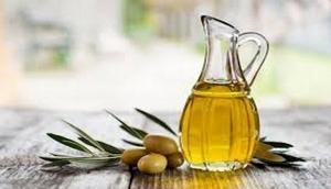 Wonders of jojoba oil for skin, hair