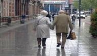Walking slowly can be early indicator of dementia: Study