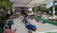 Bhopal: Congress workers perform 'shavaasana' to protest against Mandsaur farmer killings