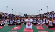 अंतरराष्ट्रीय योग दिवस: लखनऊ में मोदी-योगी का योगासन