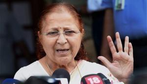 सुमित्रा महाजन को टिकट के लिए इंतज़ार क्यों करवा रही है BJP, नाम के आगे नहीं लगाया चौकीदार