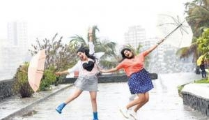 Pick the right fabric to wear in monsoon