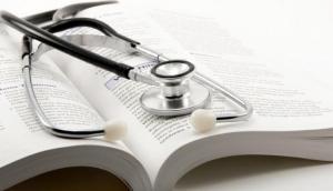 Uttar Pradesh: Hospital denies admission, woman gives birth on road