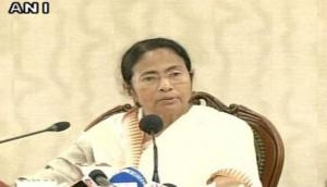 'Padmavati' controversy politically planned to destroy freedom of expression says Mamata Banerjee