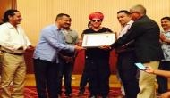 SRK accepts Honorary Membership from Jodhpur Tourist Guide Association