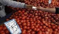 पाकिस्तान में महंगाई ने तोड़ी लोगों की कमर, टमाटर की कीमतें 300 के पार