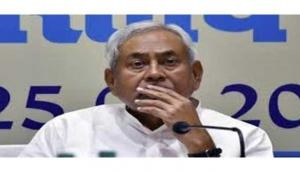 Nitish Kumar meets officials as heat wave claims over 100 lives in Bihar