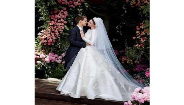 Miranda Kerr unveils her fairytale wedding gown   Catch News Miranda Kerr Wedding