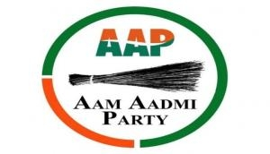 Patkar, AAP leader Agrawal detained from Bhopal railway stn