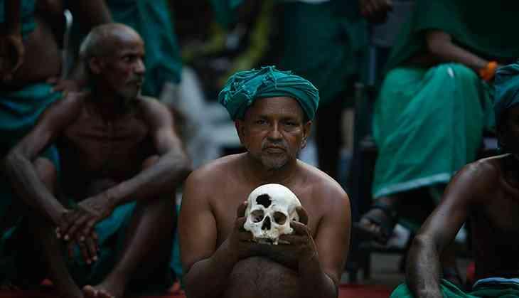 Tamil Nadu farmers restart protest, accuse PM Modi of 'abetting suicide'