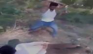 शर्मनाक: यूपी में कपल को डंडों से पीटा, वीडियो वायरल