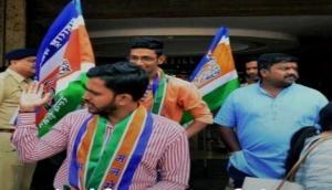 Mumbai: 7 MNS workers held for vandalising Gujarati nameplate