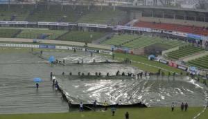 गॉल टेस्ट: बारिश के कारण रुका खेल, श्रीलंका की हालत पतली