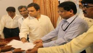 Rahul hands over memorandum over farmers' land issue to NHAI