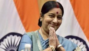 डोकलाम विवाद के बीच विदेश मंत्री सुषमा स्वराज पहुंचीं भूटान