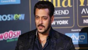 'Tiger' Salman gazes at Katrina in BTS picture