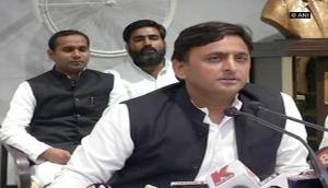 Cash crunch: Akhilesh alleges international conspiracy against economy