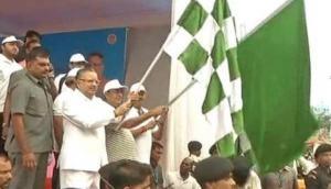 Raman Singh flags off 5,000 mtr marathon in Raipur; hails development in the state