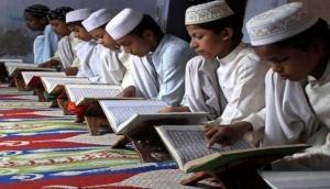 यूपी: मदरसा में पढ़ने वाले छात्र नहीं पहन सकेंगे कुर्ता-पायजामा