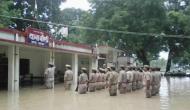जय हिंद: बाढ़ की लहरों पर भारी देशभक्ति के जज़्बे का ज्वार