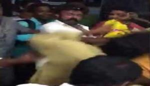 Video: साउथ के सुपरस्टार ने फैन को जड़ा सरेआम थप्पड़