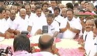 तमिलनाडु: 6 महीने बाद फिर एक हुआ AIADMK, शशिकला पार्टी से बाहर