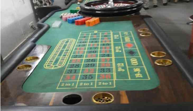 Delhi Police bust illegal casino, bar at Fatehpur Beri farmhouse, arrest 30