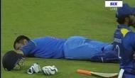 दर्शकों ने किया हंगामा तो बीच मैदान में सो गए कैप्टन कूल धोनी