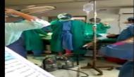 ऑपरेशन थिएटर में गर्भवती महिला का इलाज छोड़कर लड़ने वाले दोनों डॉक्टर बर्खास्त