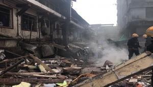 ग्रेटर नोएडा बिल्डिंग हादसा: अब तक 9 लोगों का शव बरामद, कई और के दबे होने की आशंका