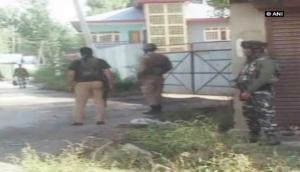 जम्मू-कश्मीर: सुरक्षाबलों और आतंकियों के बीच मुठभेड़ में दो आतंकी ढेर, एक आतंकी एके-47 के साथ गिरफ्तार