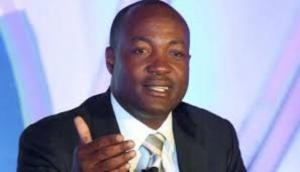 Brian Lara admitted to hospital after chest pain