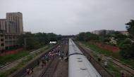 एक दिन में 2 रेल हादसे, अब दिल्ली में पटरी से उतरी राजधानी एक्सप्रेस