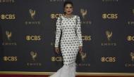 Emmy Award 2017: अवार्ड देने पहुंची प्रियंका का नाम भूल गर्इ अनाउंसर!