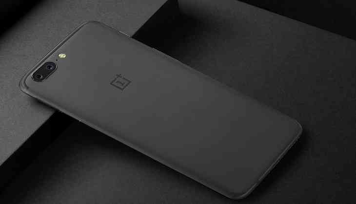 The OnePlus 5T wants to replace your expensive flagship smartphone