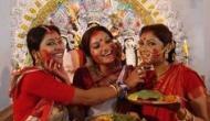 नवरात्र पर मां दुर्गा को इन उपायों से करें प्रसन्न, बंद किस्मत का खुलेगा ताला