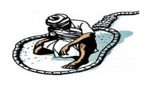 महाराष्ट्र: सरकारी मुआवजा न मिलने के कारण जहर खाने वाले किसान की मौत