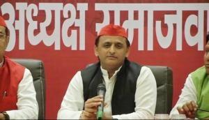 Akhilesh Yadav backs Yashwant Sinha, aims at Centre over demonetization