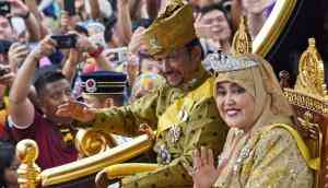 Brunei Sultan Hassanal Bolkiah celebrates 50 years of power with a golden chariot procession