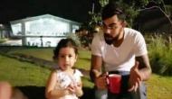 VIDEO: कोहली के साथ मस्ती करती दिखीं धोनी की बेटी जीवा