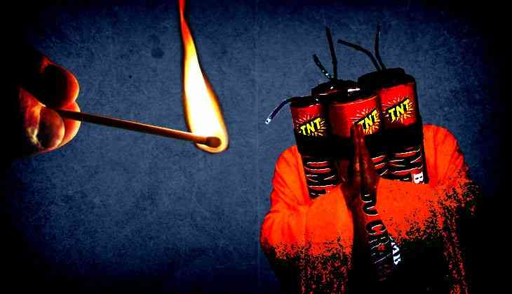 BJP leaders back firecrackers: Guess Patakhas are Hindu after all!