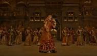 VIDEO: 'पद्मावत' के 'घूमर' गाने में हुए बदलाव के बाद गाना रिलीज, लोगों ने इस तरह उड़ा मजाक