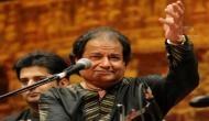 पाकिस्तान में अनूप जलोटा ने उर्दू में सुनार्इ 'भगवद्गीता', सुनने पहुंचे 50 हजार दर्शक
